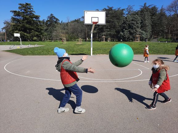 Poull-Ball-4