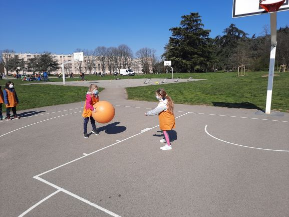 Poull-Ball-8